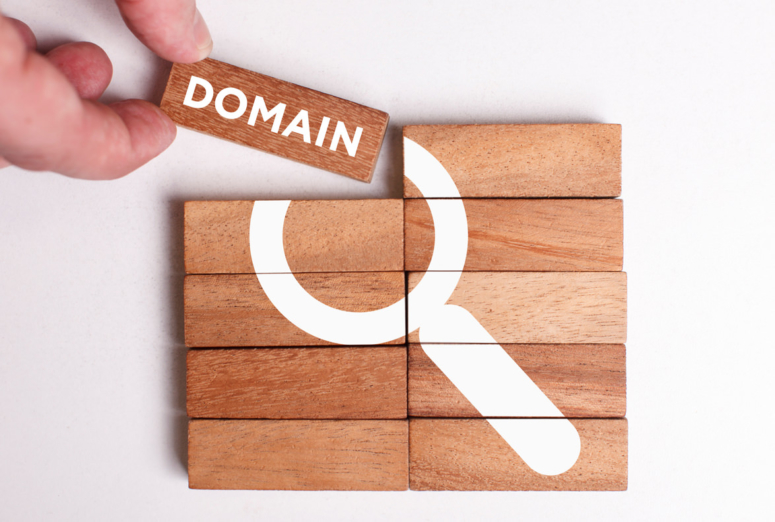 Domain name for free with each application of Spanish and/or EU trademark