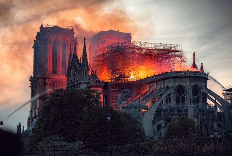 El dolor de un parisino en Madrid por el incendio de Notre Dame