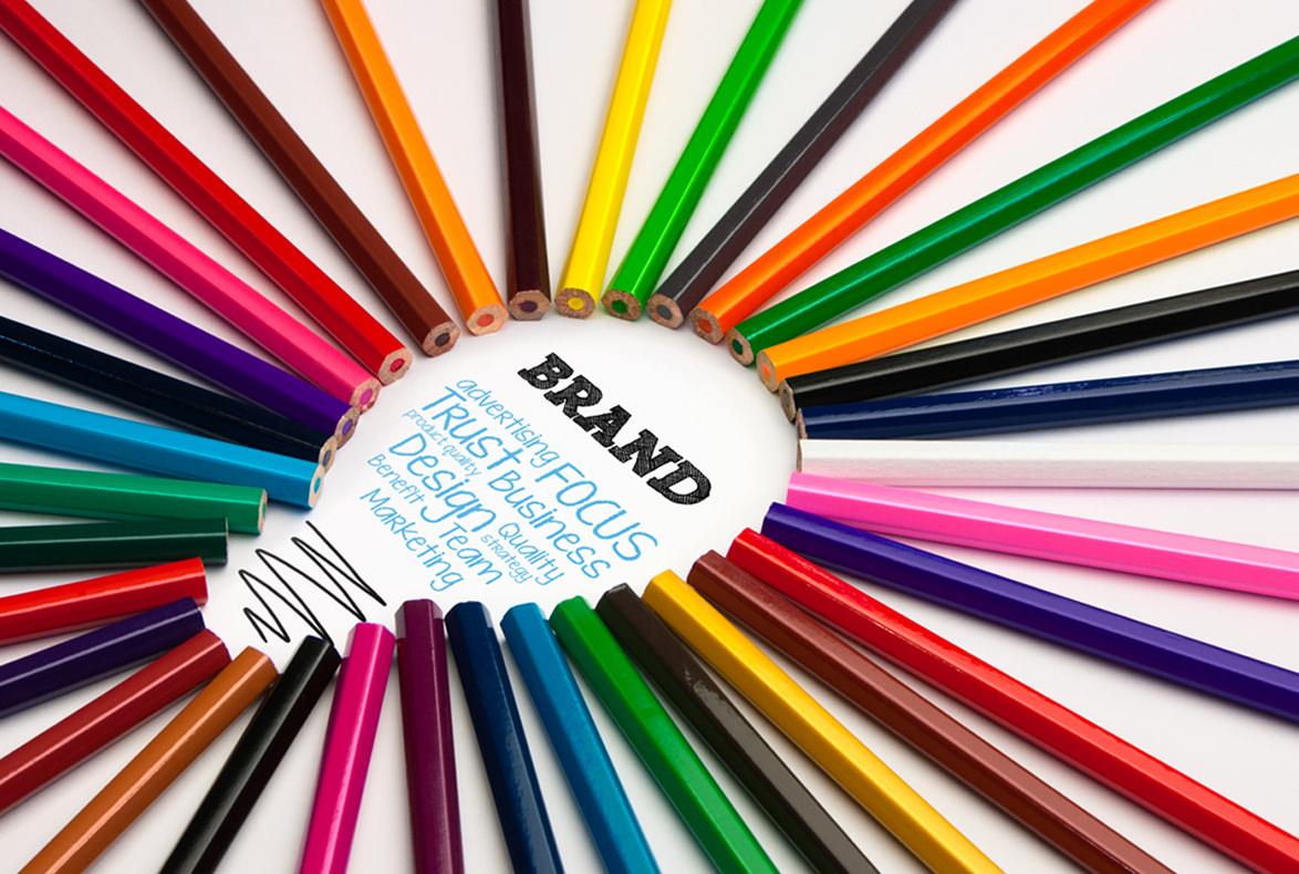 Registra tu marca…¿en blanco y negro o en color?